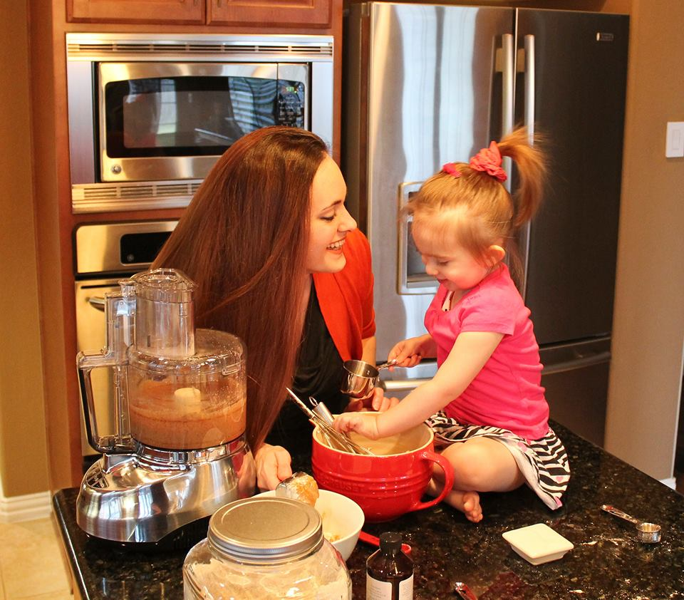 Baking with her daughter, Olivia
