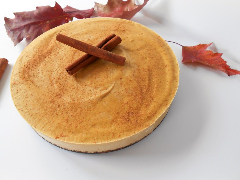 Pumpkin Cheesecake with Pecan Cookie Crust