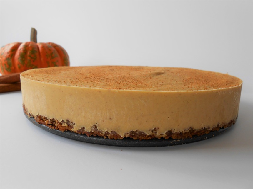 Pumpkin Cheesecake with Pecan Cookie Crust